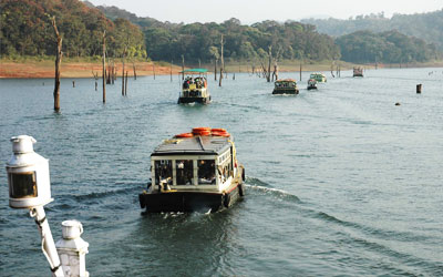 boating in thekkady periyar